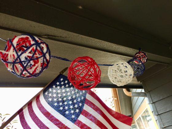 Yarn ball garland
